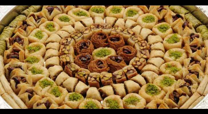 Official Tel Aviv twitter account posts picture of kenafeh and calls it baklawa