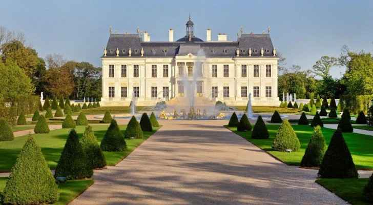 The Château Louis XIV constructed between 2008-2011 in Louveciennes, France. (Photo from: Bloomberg)