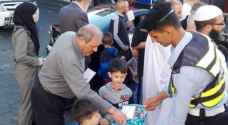 Irbid citizens treated to Eid candy by city's traffic police