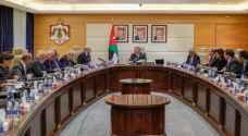 King Abdullah visits Prime Ministry, meets Razzaz