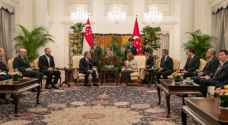 King holds talks with Singaporean president, PM