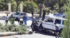 Car crashes into island in Abdoun