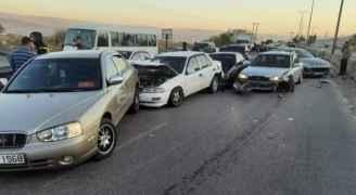 10-vehicle pileup leaves six people injured