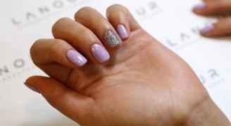Dubai salon gives microchipped manicures