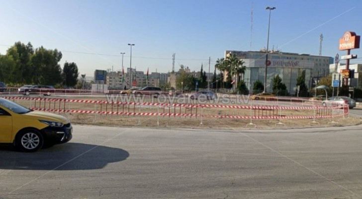 Four traffic lights to be installed at 6th circle in Amman on Sunday
