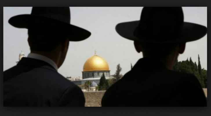 At least 171 Israeli settlers abruptly entered the Al Aqsa compound on Thursday.