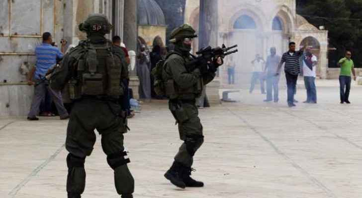 Ten Palestinian worshippers were injured after Israeli forces attacked the Al Aqsa mosque compound on Sunday. (Photo from archives)