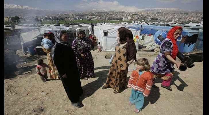 First Syria refugees land in France under humanitarian scheme