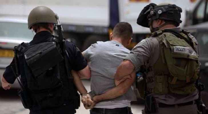 Israeli forces arrest two children in Palestine