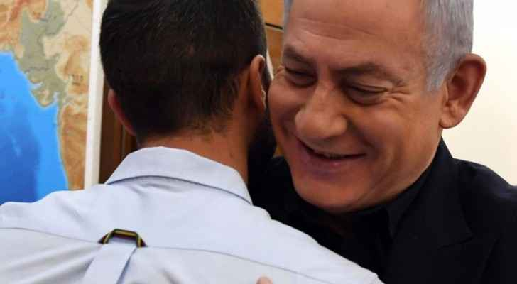 Ziv, the guard who killed two Jordanians receives a warm welcome from Israeli PM Netanyahu.