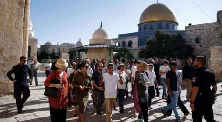 The settlers were accompanied by Hakhams and heavily-armed Israeli forces