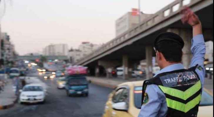 Traffic Department punishes anyone who transports passengers by private cars for money (File Photo)