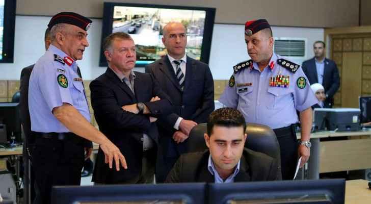King Abdullah visits the Public Security Department on Monday. (Petra)