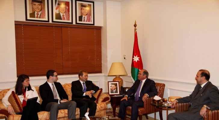 PM Hani Al Mulki welcomes US Congressional aides delegation. (Petra)
