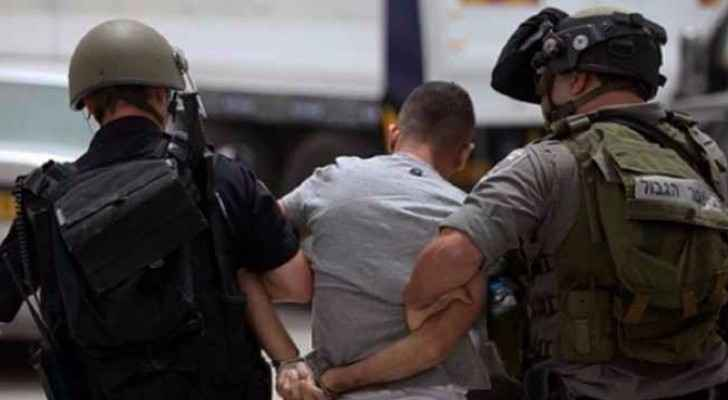 Israeli forces detain three Palestinians in the West Bank