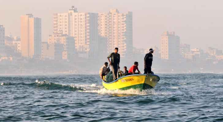 Palestinian teenager shot by Israeli naval forces