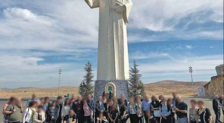 A group of Israeli travelers in the town of Faraya, Lebanon.  (Haaretz)