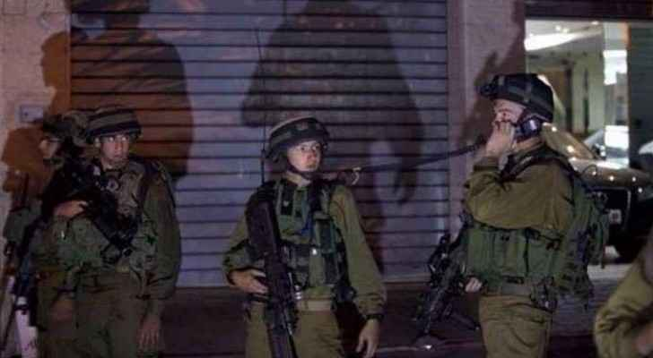 Israeli forces arrest four Palestinians in the West Bank