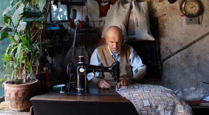 In 2007, the number of tailor shops in the Kingdom was 7000. (Pixabay)