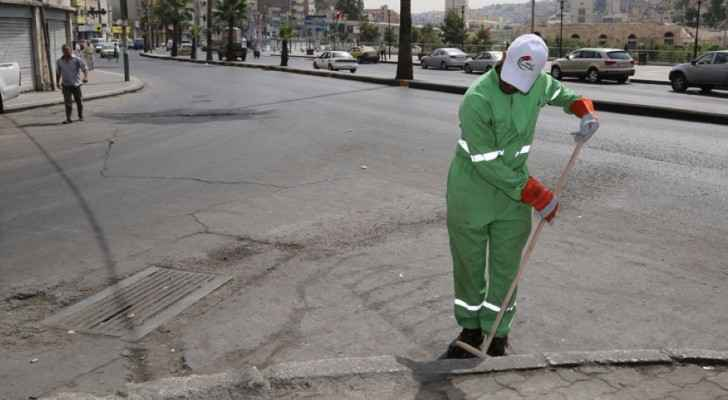 One binman claims that some citizens abuse him and his colleagues. (Al Rai)