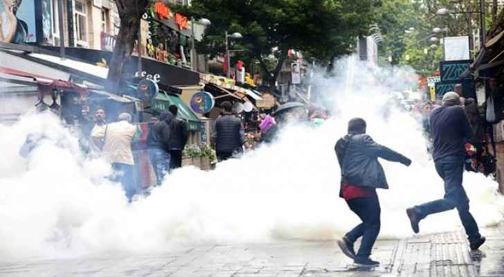 Turkish riot police forces confronting protesters with smoke grenades. (Photo: PTV)