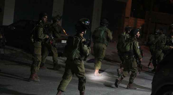 Israeli predawn raids are almost a daily occurrence (The Palestinian Information Center IOF)