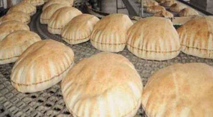 Bread prices might reach 32 piasters per kilo