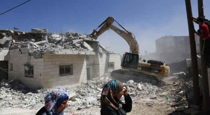 The demolition of  a house in the village of Yatta, Hebron in 2016 by Israeli soldiers (Al Arabiya)