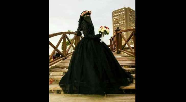Aya considers it part of her personal freedom to wear black on her engagement day. (Muthaqaf)