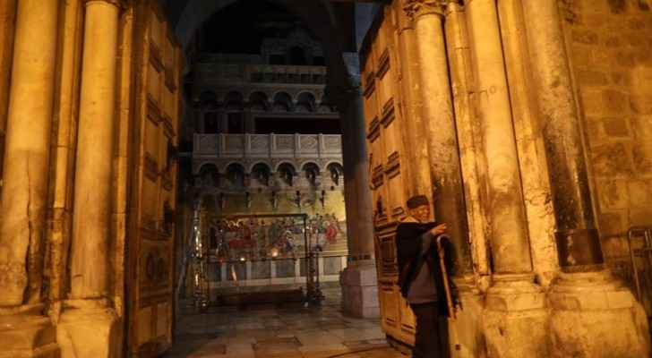 Church of Holy Sepulchre opens its doors on Wednesday for pilgrims and visitors. (QudsNewsNetwork)
