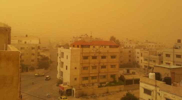 Dust storm in Amman 2013 (word press)