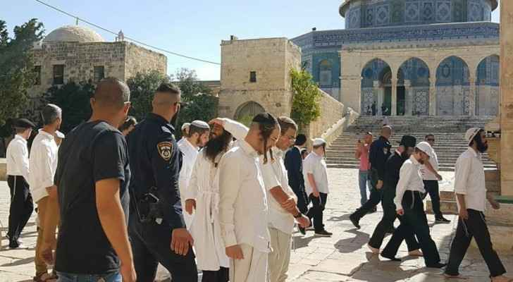 Israeli settlers' action of breaking into Al Aqsa Mosque is a regular occurrence (The Palestinian Information Center)