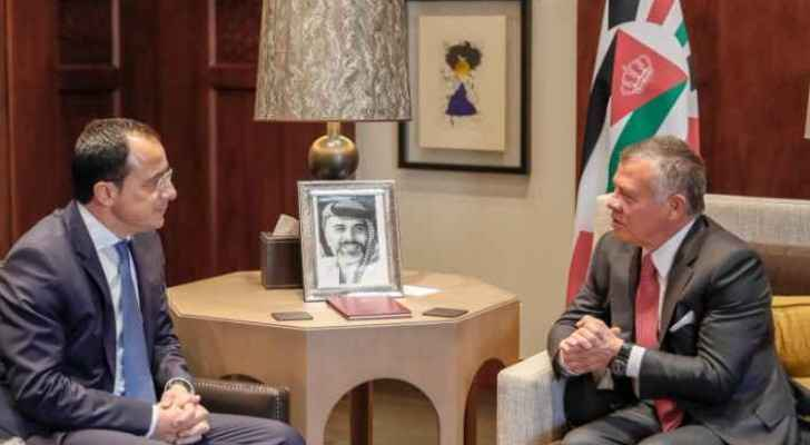 King Abdullah II meets the Panamian President in Amman on Tuesday.