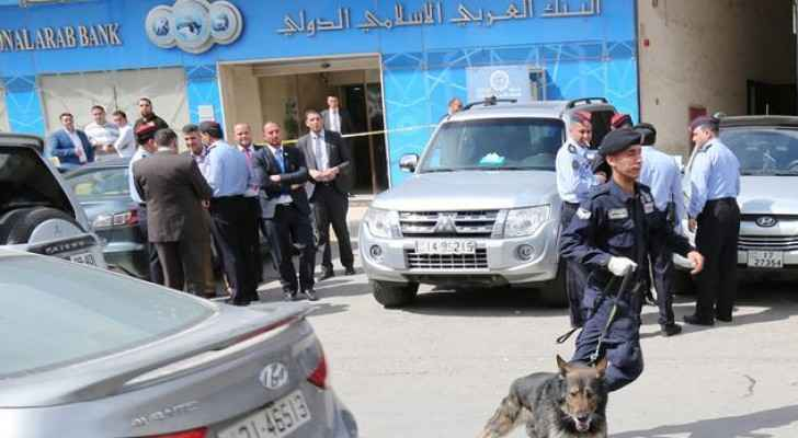 Police officers caught the offender as he was trying to flee Jordan. (Al Ghad)