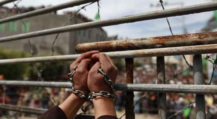 There are more than 6000 Palestinian prisoners held in Israel. (AlJazeera)