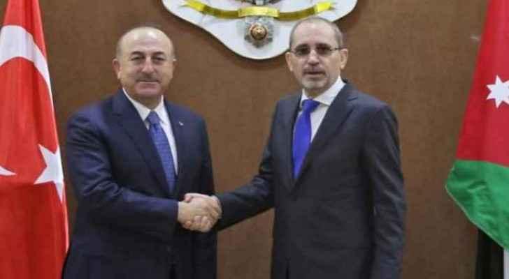 Foreign Ministers  Mevlut Cavusoglu and  Ayman Safadi. (file photo)