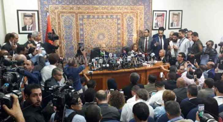 PM Razzaz during the press conference. (Roya)