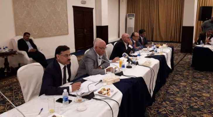 Ministers of Finance and State met with political parties on Saturday.