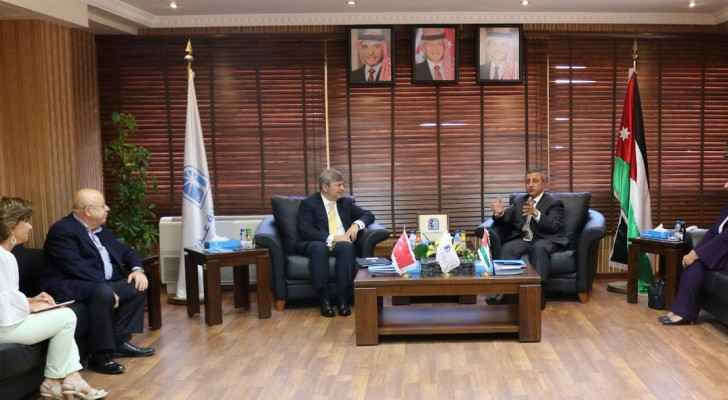 Jordan, Turkey discuss bolstering bilateral ties between the two countries (Petra)