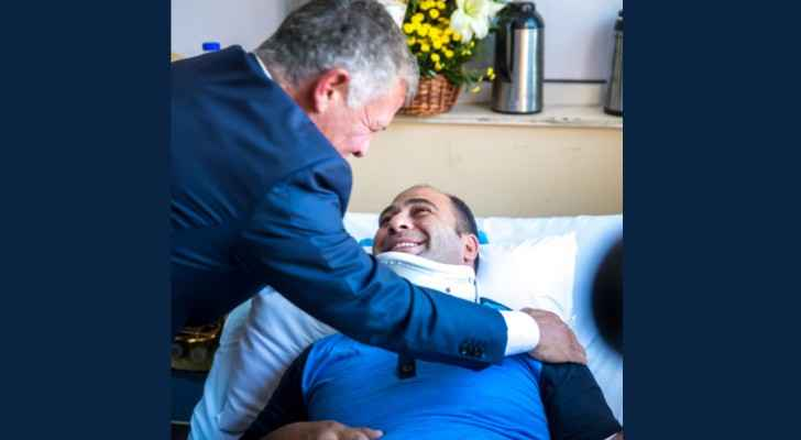His Majesty the King, HRH Crown Prince visit injured officers of Fuheis, Salt