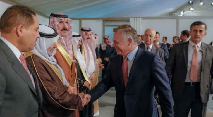 King meets Bedouin figures of Jordan