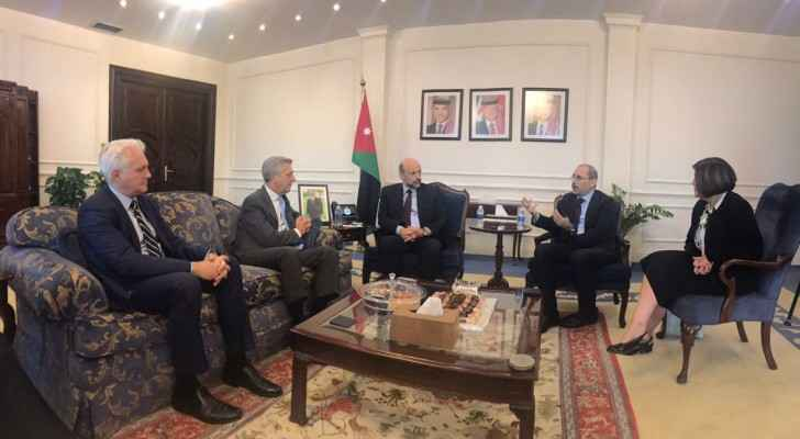 Razzaz meets UN High Commissioner for Refugees