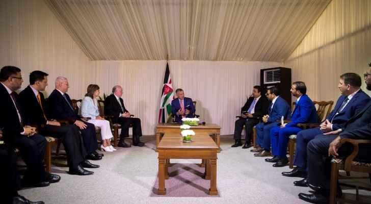 King Abdullah meets news websites' chief editors, publishers
