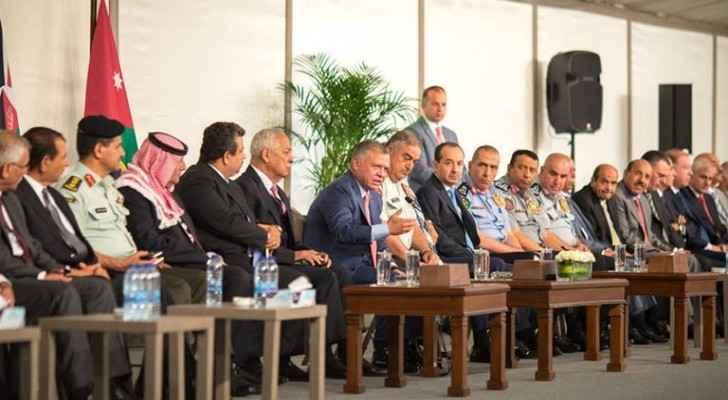 King Abdullah meets retired servicemen, veterans