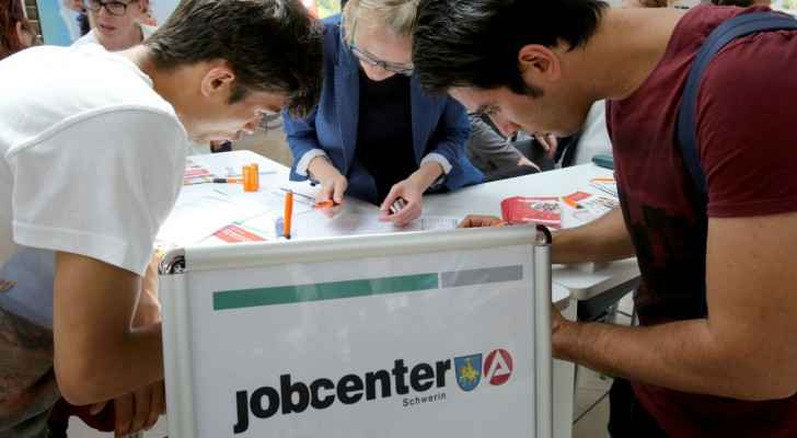 Germany needs to attract 400K foreign workers a year. (TheLocal.de)