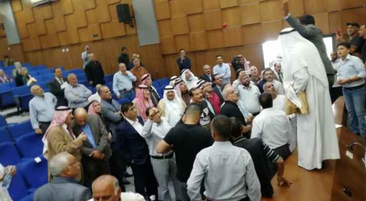 Ministers visit Ma'an, cut their meeting with public short