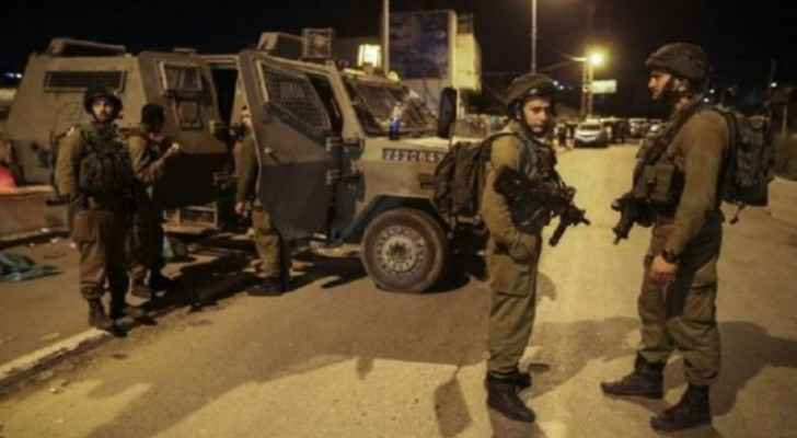 Israeli forces detain 10 Palestinians in the West Bank