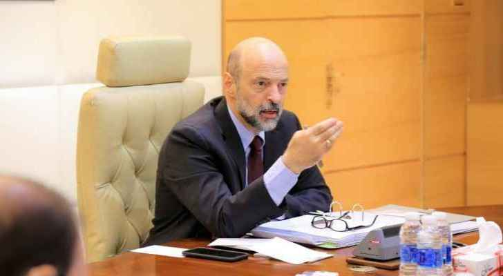 Razzaz said that the economic reform should go hand in hand with the political reform