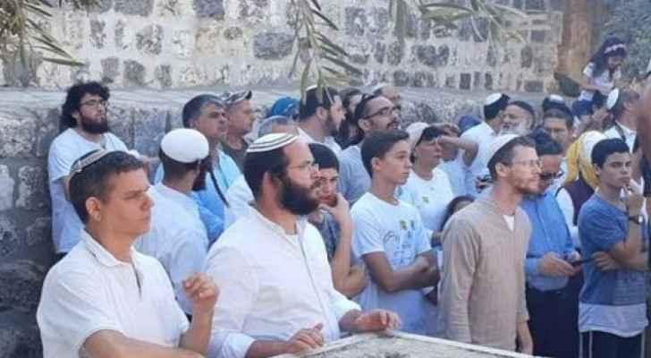500 settlers storm Al-Aqsa on Jewish 'Throne Day'