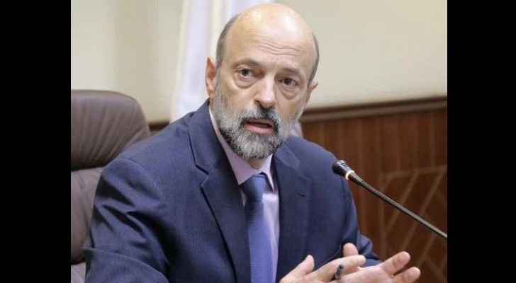 Razzaz orders re-distribution of surplus vehicles